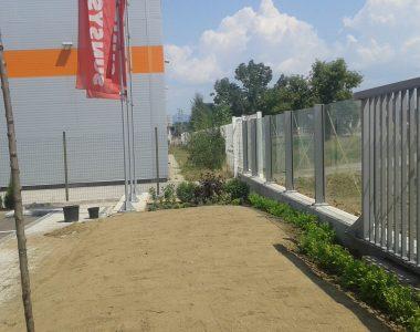 Озеленяване пред офис сграда Sun Systems [5]