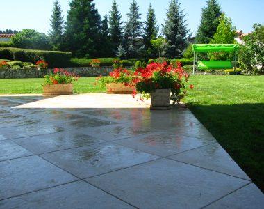 Поддържане и озеленяване на двор Горна Баня [7]