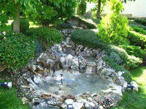 Поддържане и озеленяване на двор Горна Баня [16]