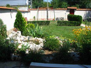 Зелени площи пред офис сграда, кв. Горна Баня [5]